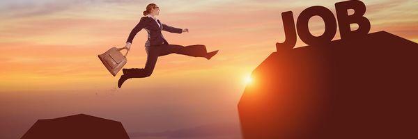 実は結構暇で自由?コンサルティング業界転職後の忙しさと、景気後退時の影響とは?